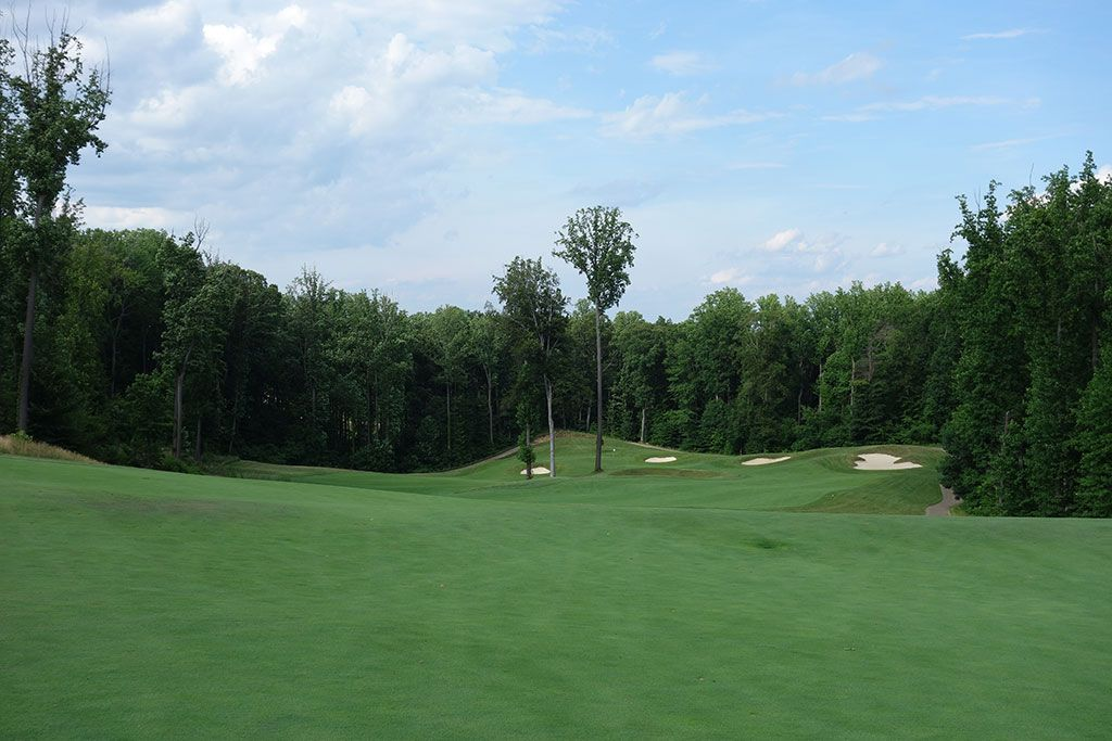 10th Hole at Potomac Shores Golf Club (575 Yard Par 5)