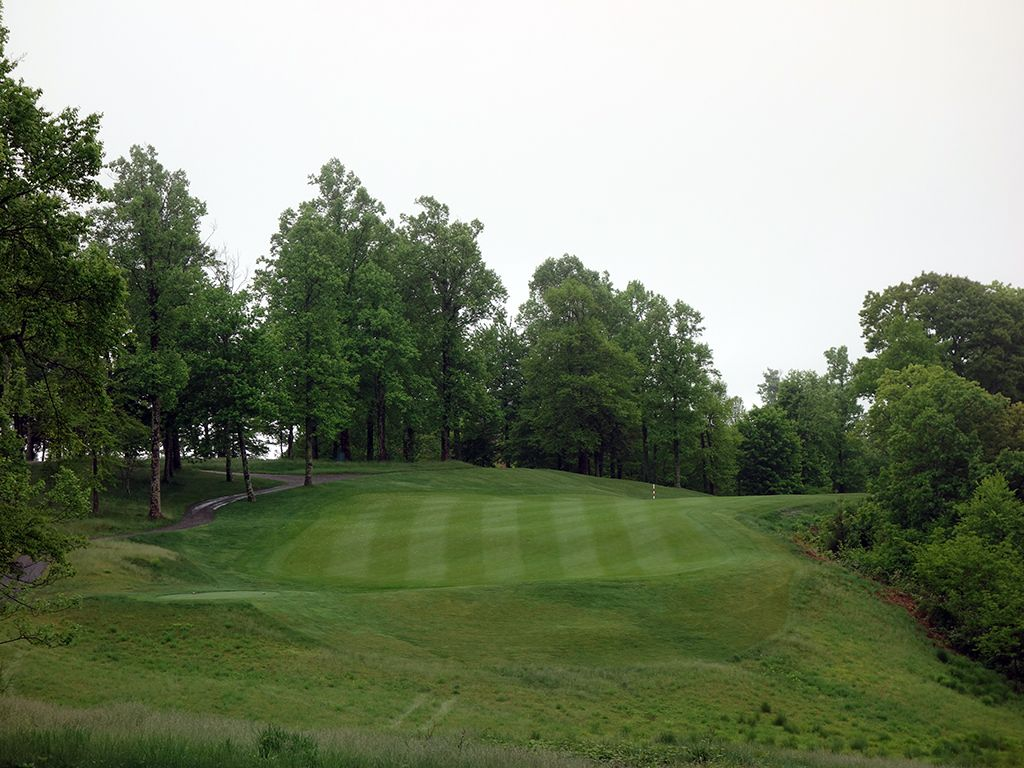 18th Hole at The Highland Course at Primland Resort (484 Yard Par 4)