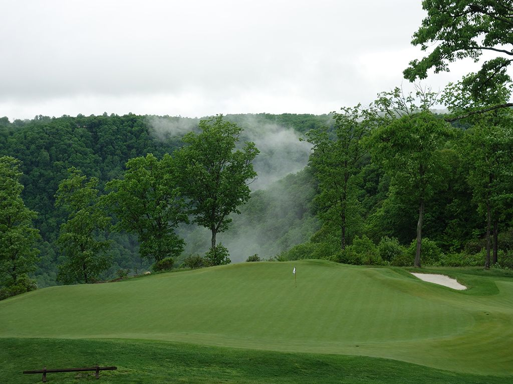 2nd Hole at The Highland Course at Primland Resort (195 Yard Par 3)