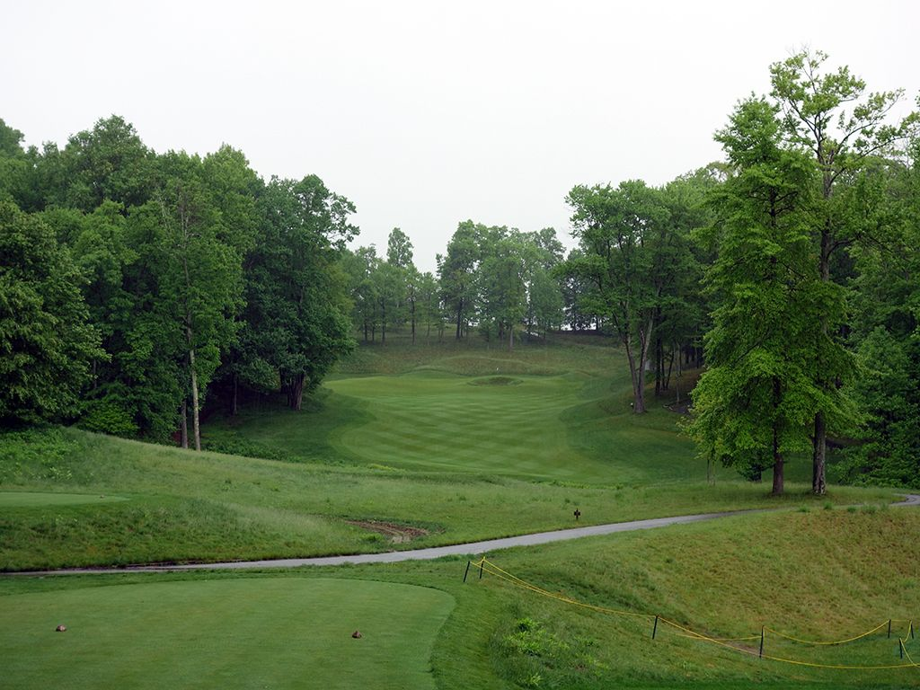 9th Hole at The Highland Course at Primland Resort (342 Yard Par 4)