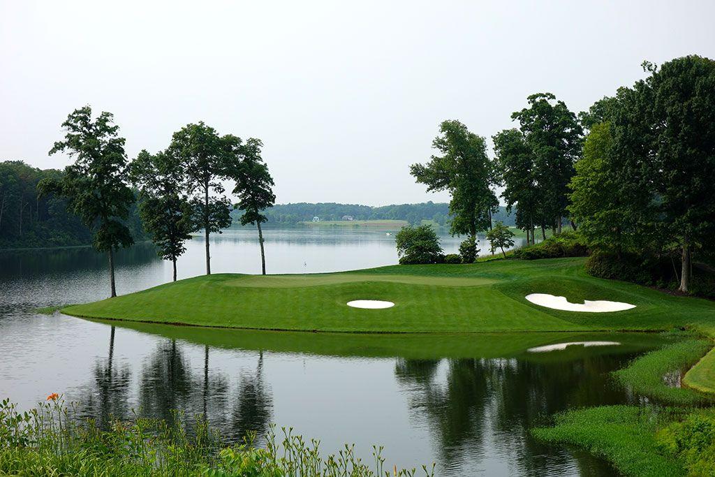 11th Hole at Robert Trent Jones Golf Club (215 Yard Par 3)