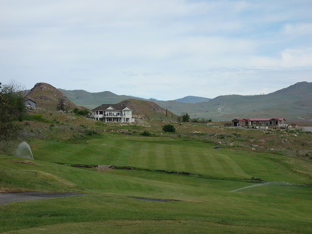 4th Hole at Alta Lake Golf Resort (346 Yard Par 4)