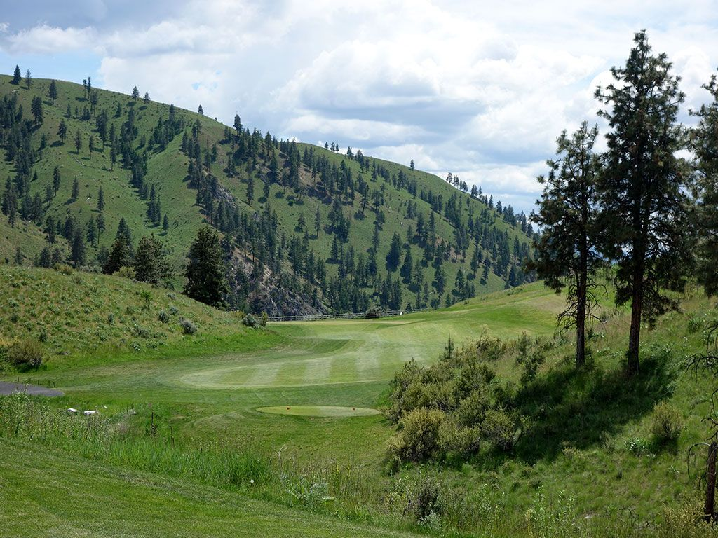 2nd Hole at Bear Mountain Ranch (336 Yard Par 4)