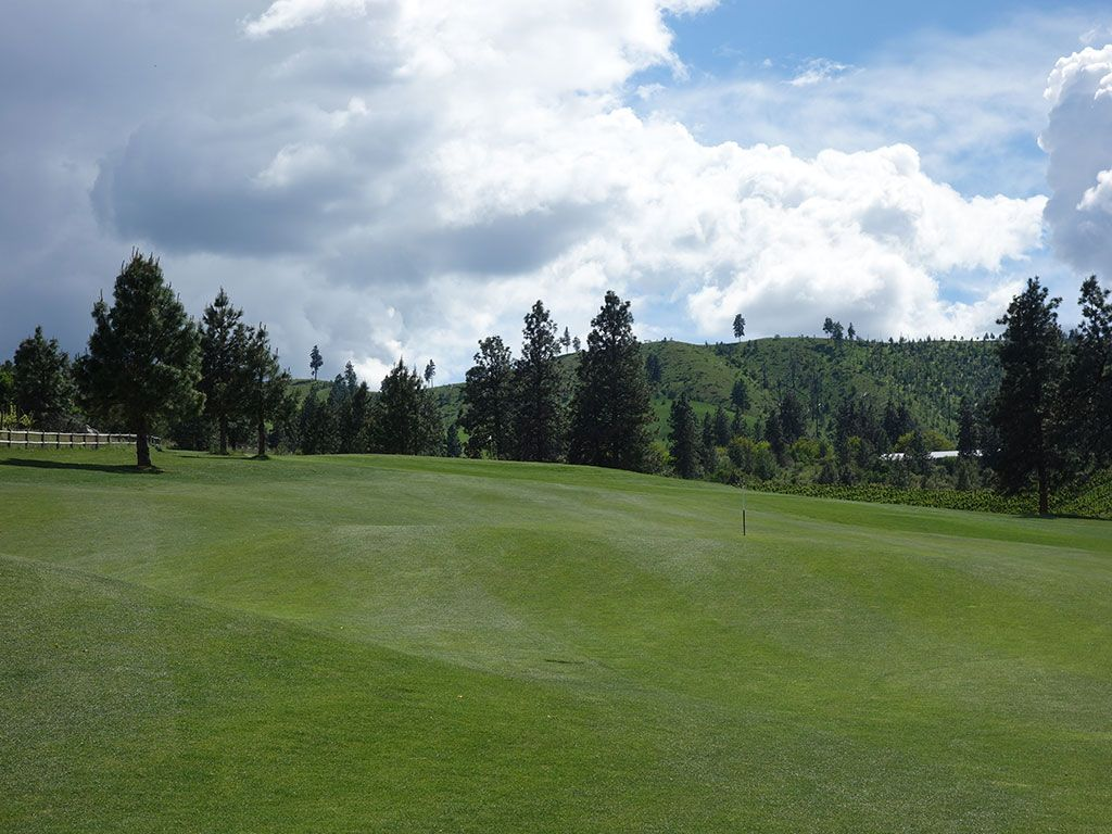 8th Hole at Bear Mountain Resort (551 Yard Par 5)
