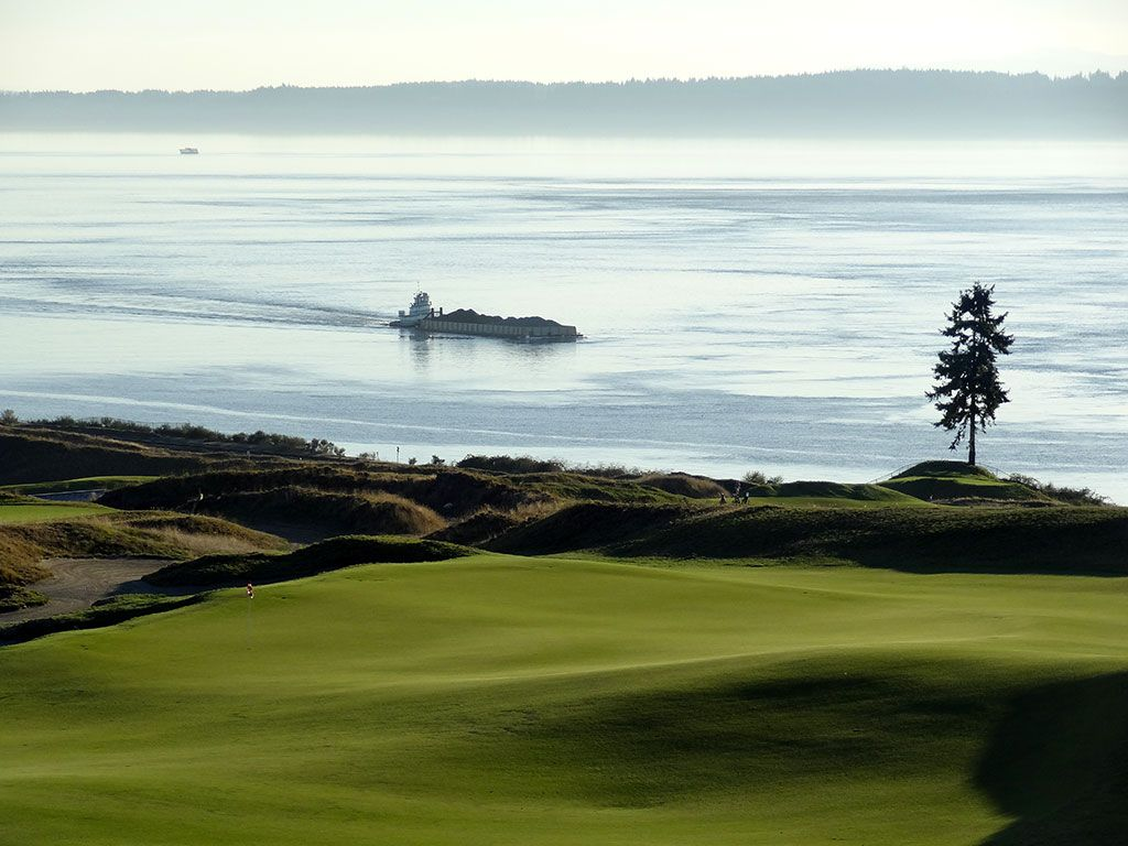 14th Hole at Chambers Bay Golf Club (546/496 Yard Par 4)