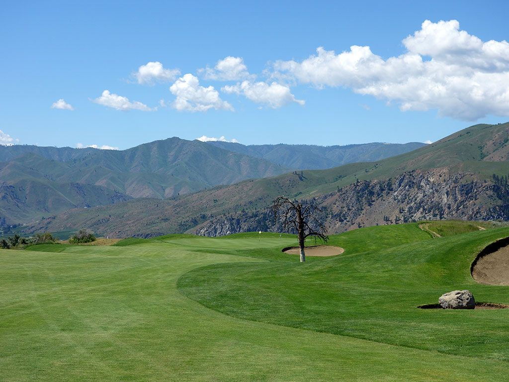 15th Hole at Desert Canyon Golf Resort (679 Yard Par 5)