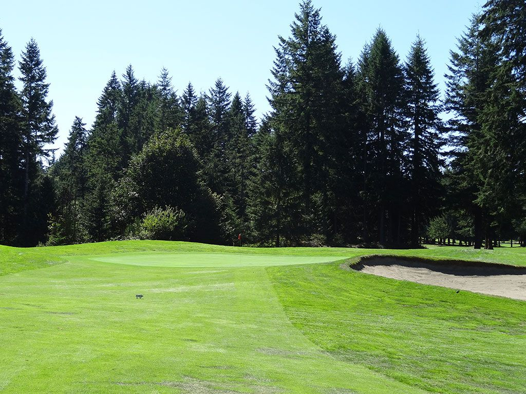 1st Hole at Gold Mountain (Cascade) (452 Yard Par 5)