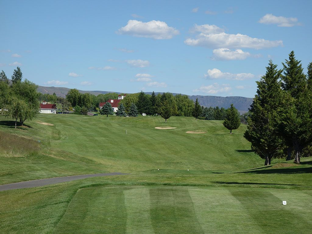 11th Hole at Highlander Golf Club (429 Yard Par 4)