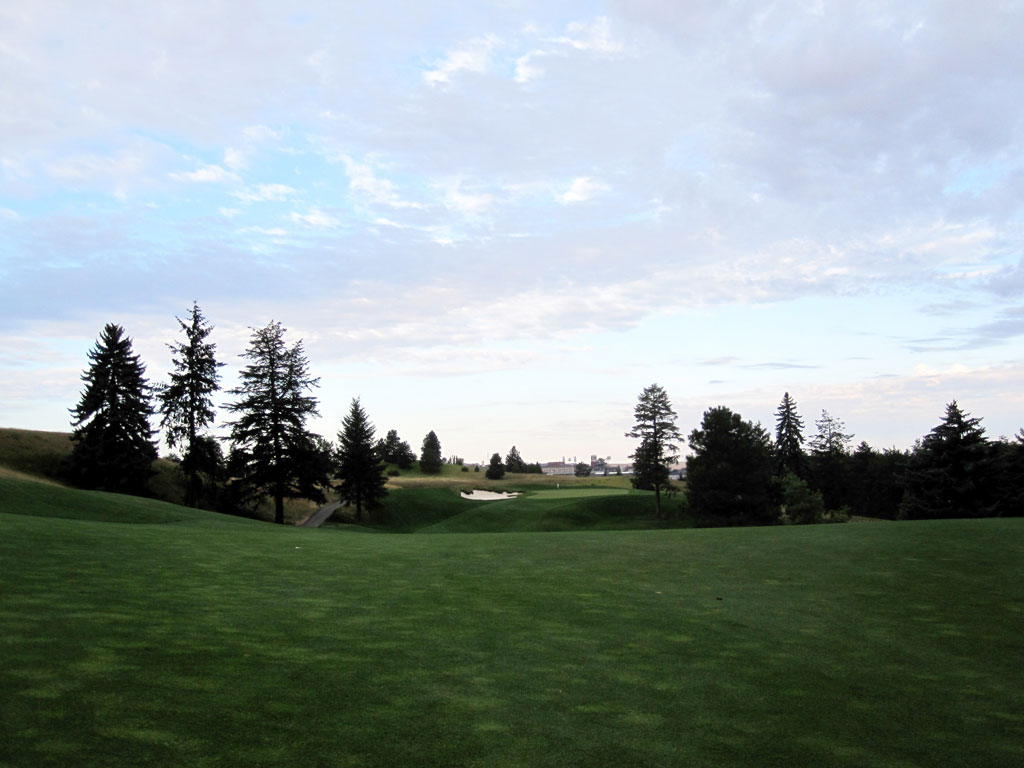 1st Hole at Palouse Ridge (463 Yard Par 4)