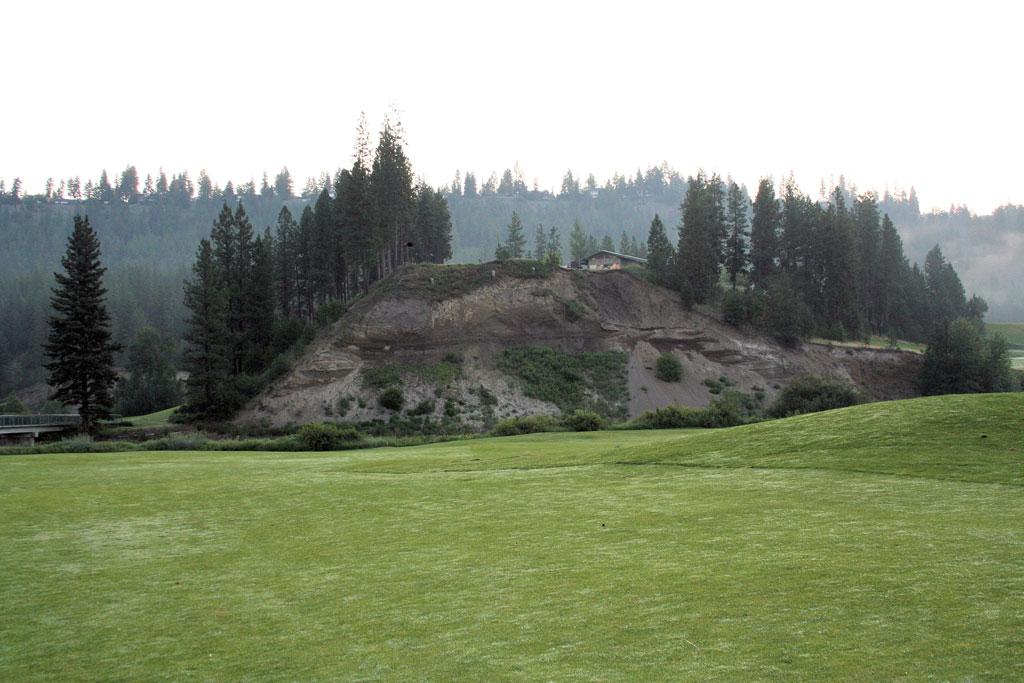 1st Hole at Creek at Qualchan (359 Yard Par 4)