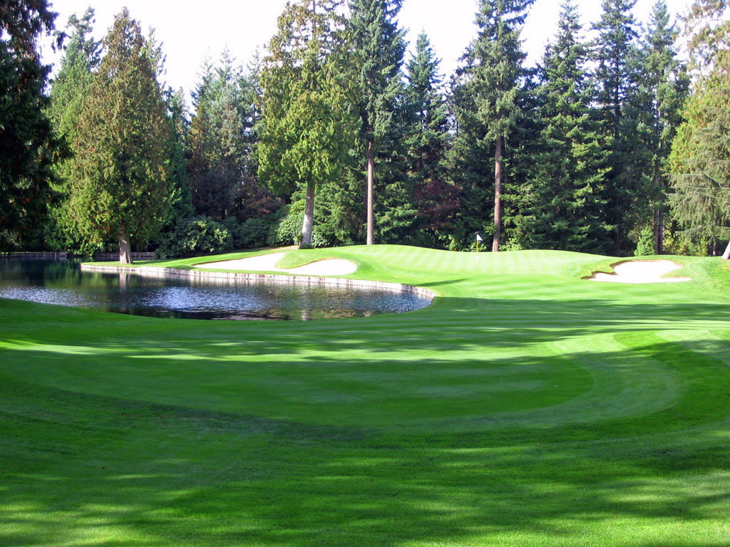 9th Hole at Sahalee (213 Yard Par 3)