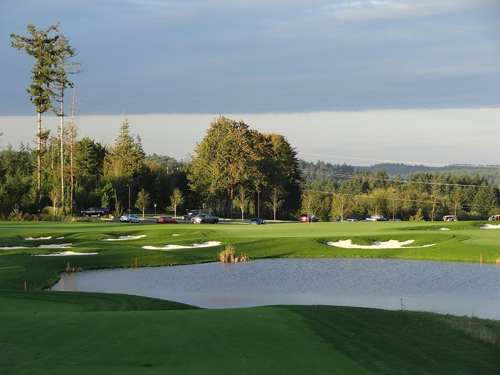 18th Hole at Salish Cliffs Golf Club