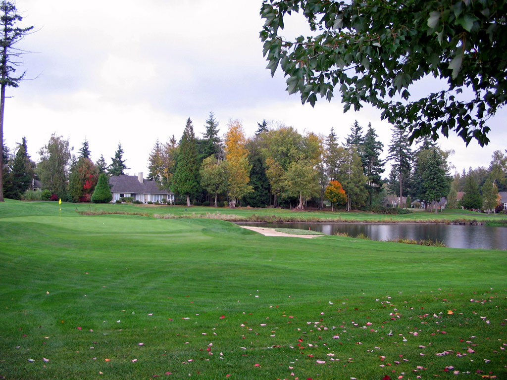 11th Hole at Semiahmoo Golf Club (371 Yard Par 4)