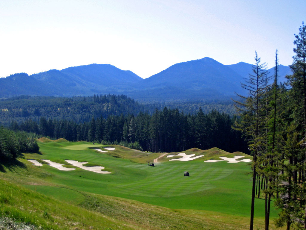 10th Hole at Suncadia Resort (Prospector Course) (411 Yard Par 4)