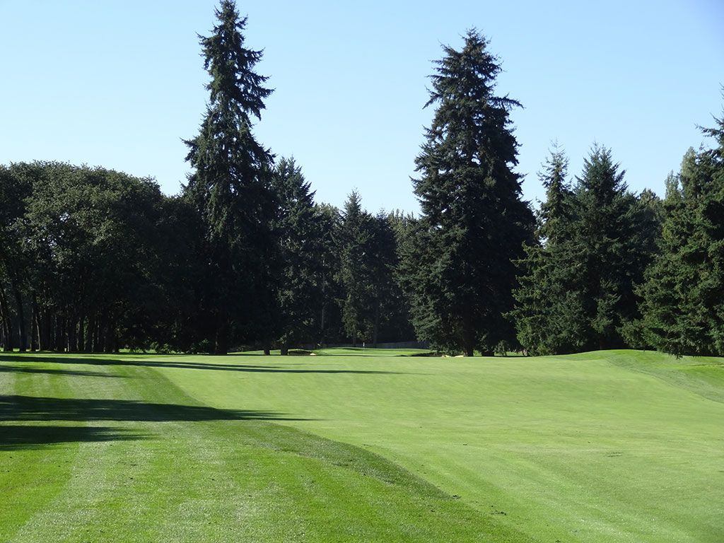 14th Hole at Tacoma Country and Golf Club (347 Yard Par 4)