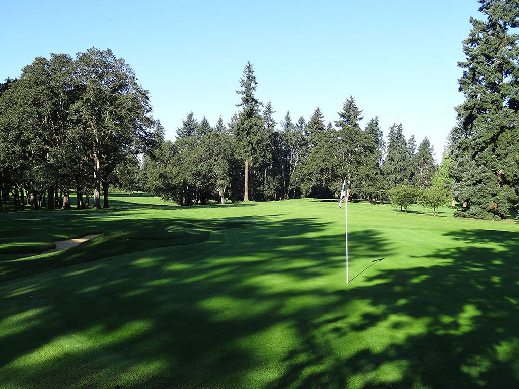 8th Hole at Tacoma Country and Golf Club (477 Yard Par 4)