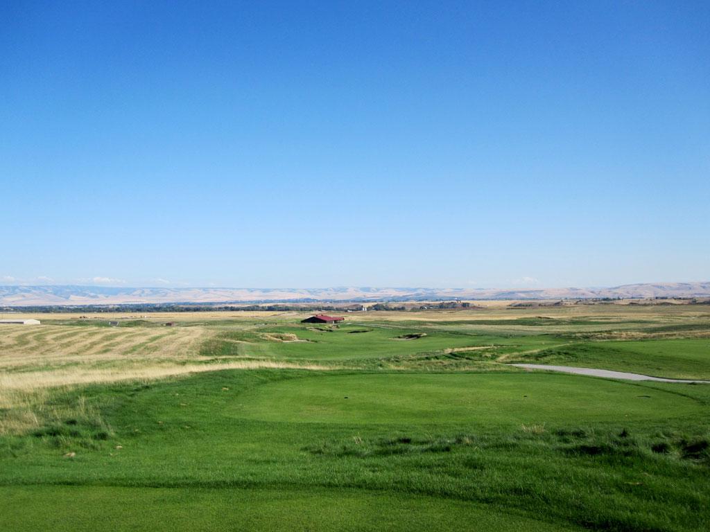 18th Hole at Wine Valley Golf Club (585 Yard Par 5)