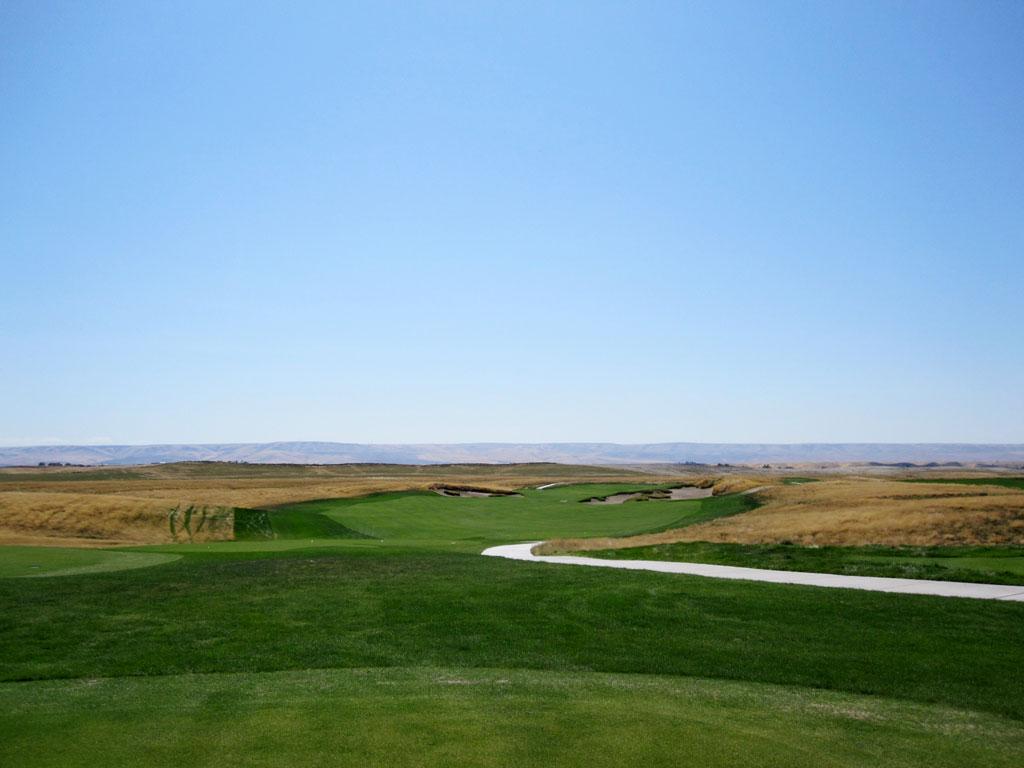 1st Hole at Wine Valley Golf Club (430 Yard Par 4)