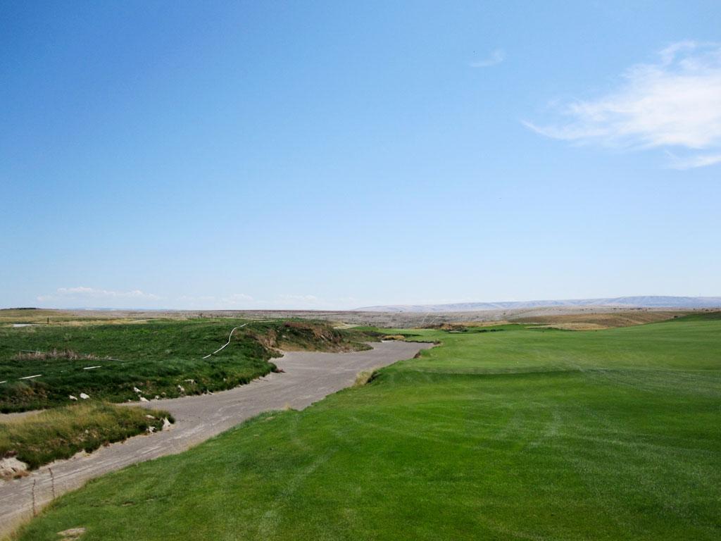 5th Hole at Wine Valley Golf Club (475 Yard Par 4)