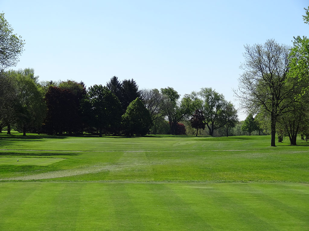 5th Hole at Blue Mound Golf and Country Club (497 Yard Par 5)
