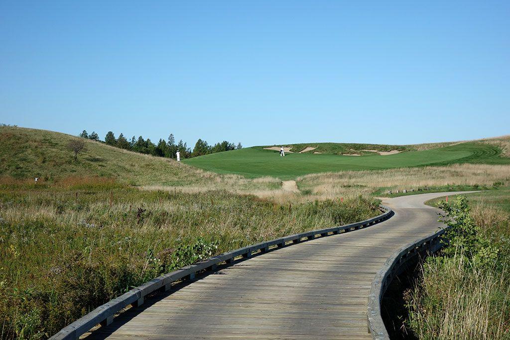 2nd Hole at Erin Hills Golf Course (363 Yard Par 4)