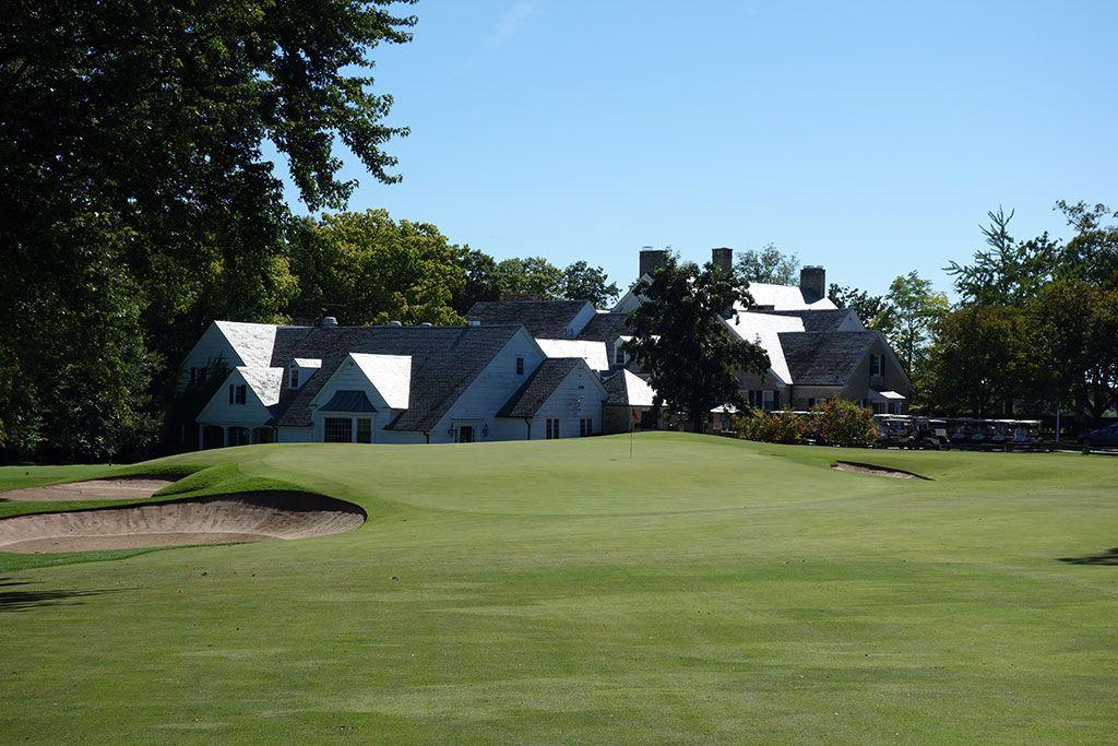 18th Hole at Milwaukee Country Club (441 Yard Par 4)