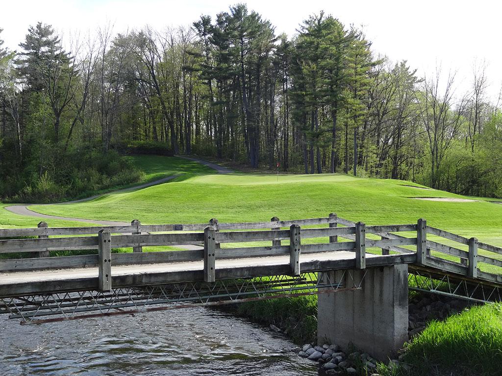 17th Hole at Pine Hills Country Club (400 Yard Par 4)