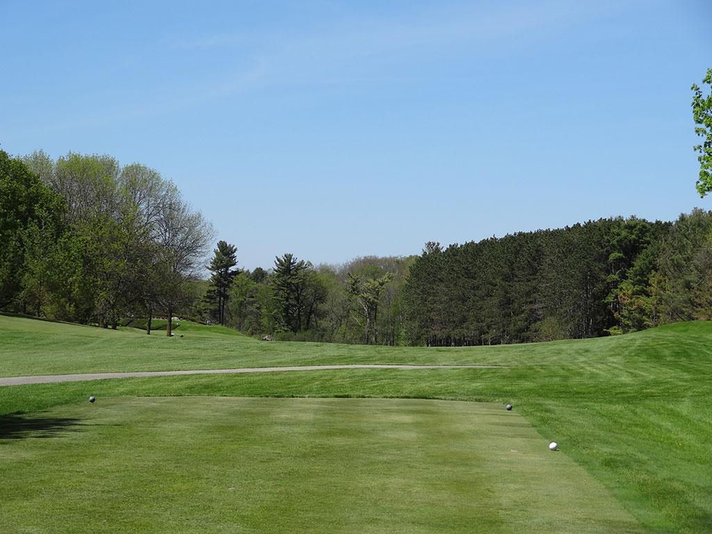 4th Hole at Pine Hills Country Club (449 Yard Par 4)