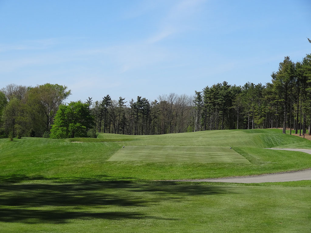 6th Hole at Pine Hills Country Club (523 Yard Par 5)