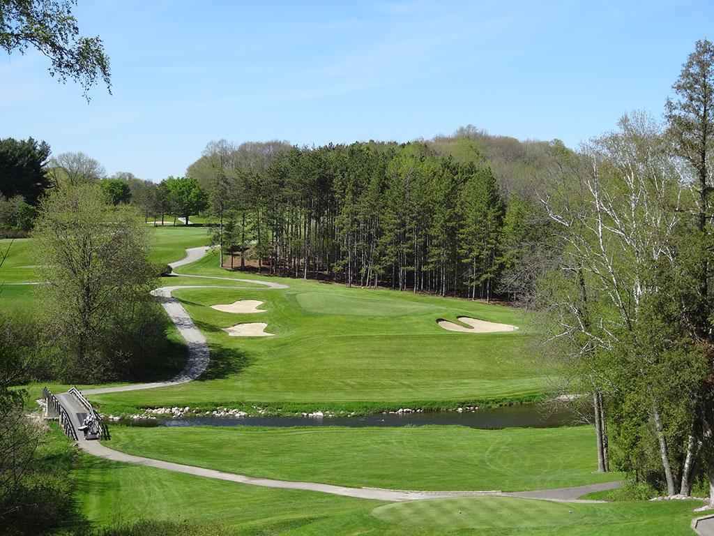7th Hole at Pine Hills Country Club (208 Yard Par 3)
