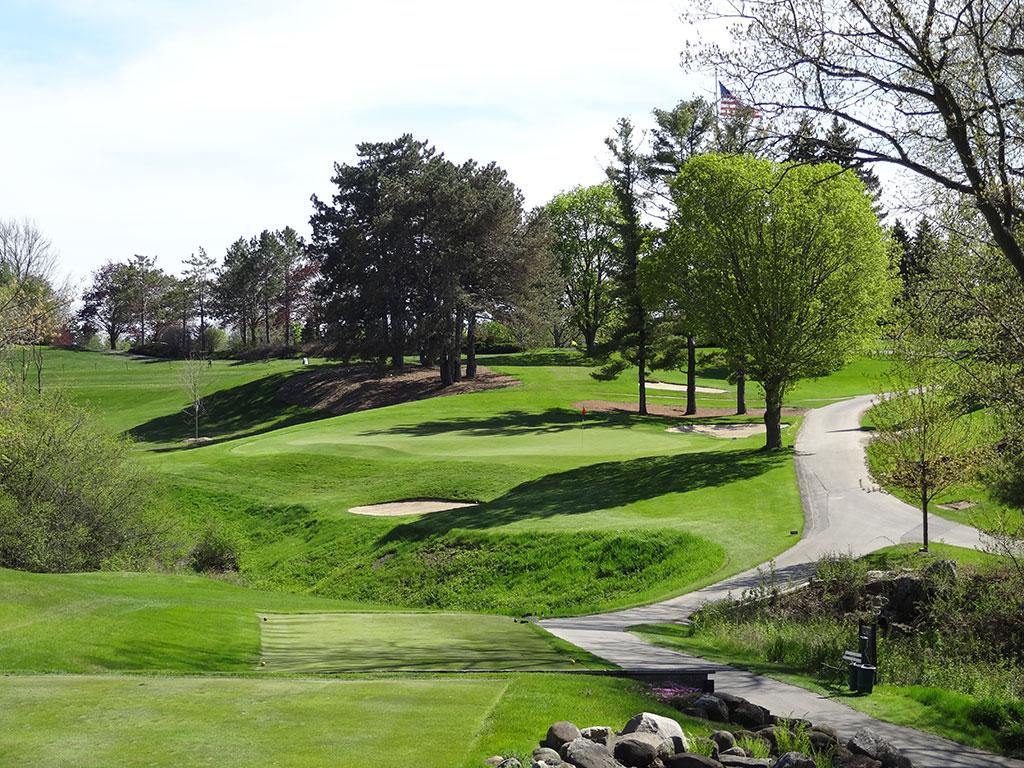 9th Hole at Pine Hills Country Club (170 Yard Par 3)