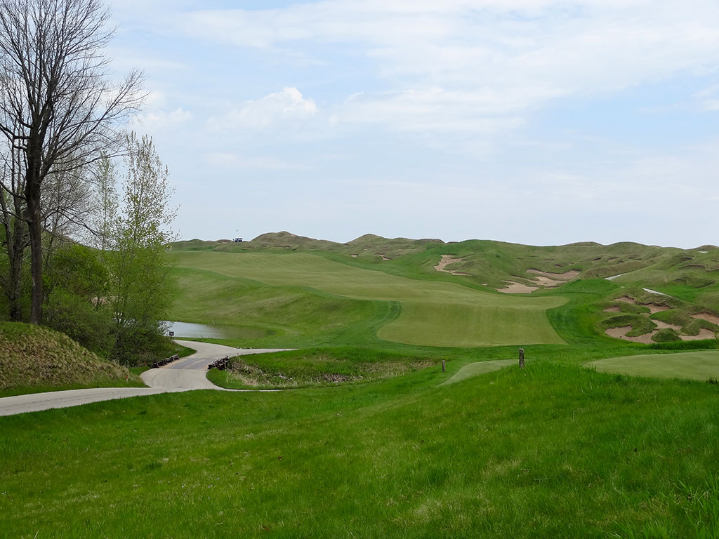 10th Hole at Whistling Straits (Irish) (398 Yard Par 4)
