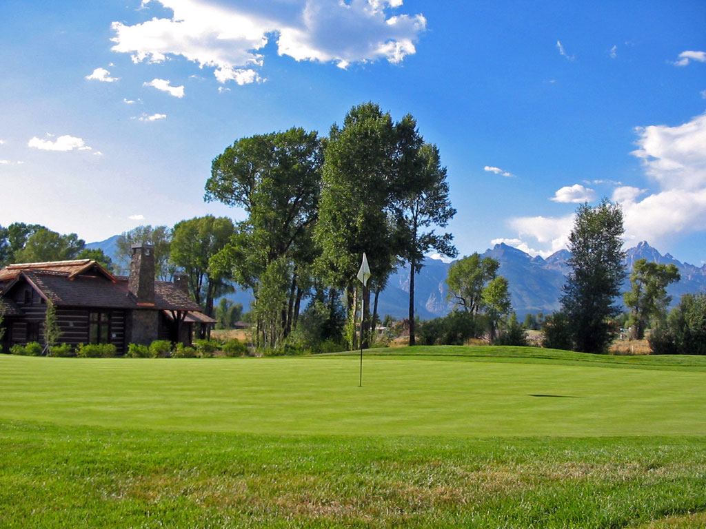 11th Hole at Jackson Hole Golf and Tennis (550 Yard Par 5)