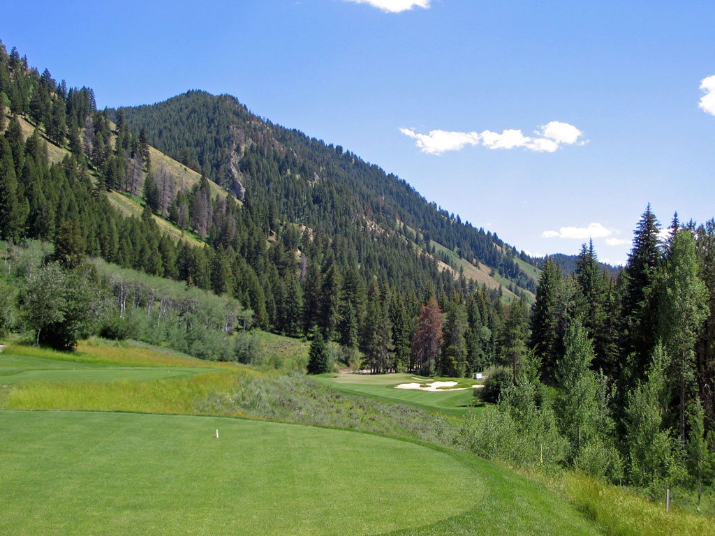 2nd Hole at Snake River Sporting Club (322 Yard Par 4)