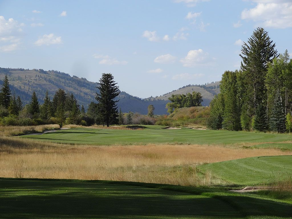 8th Hole at Snake River Sporting Club (447 Yard Par 4)