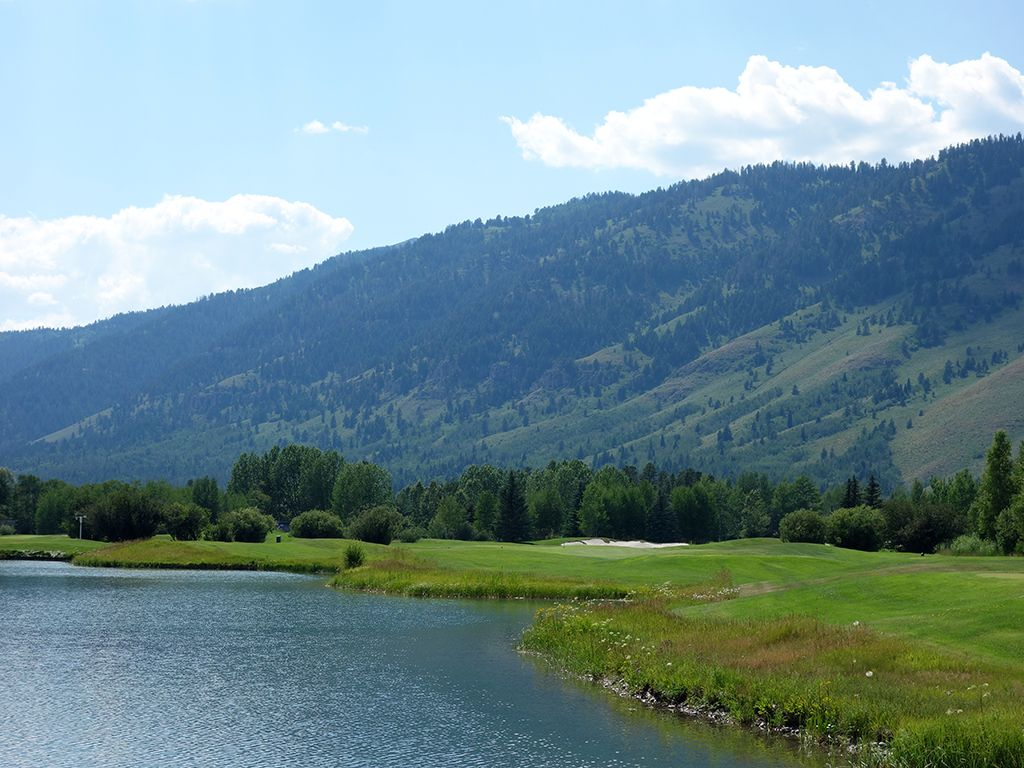 13th Hole at Teton Pines Country Club (463 Yard Par 4)