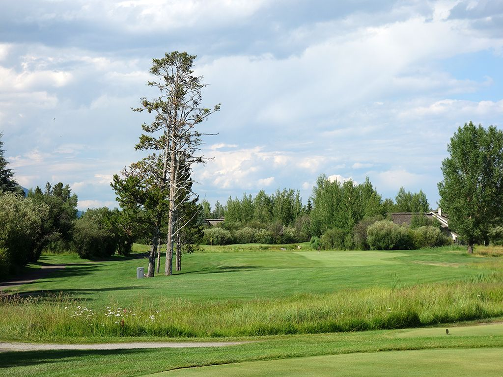17th Hole at Teton Pines Country Club (333 Yard Par 4)