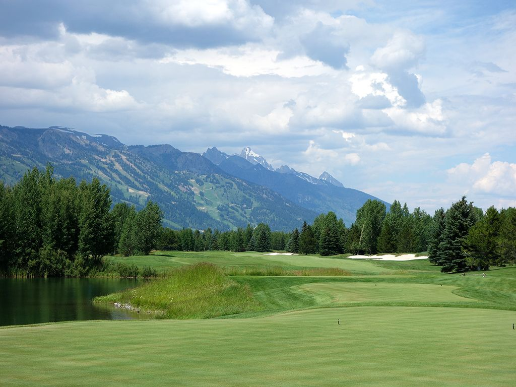7th Hole at Teton Pines Country Club (634 Yard Par 5)